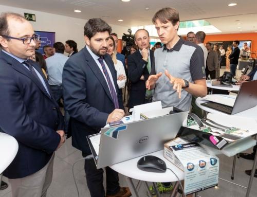 El presidente de Murcia visita el CEEIM para conocer las propuestas innovadoras de sus startups