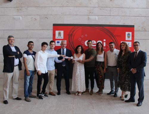 Las nuevas empresas del CEEI Guadalajara reciben las llaves de sus despachos